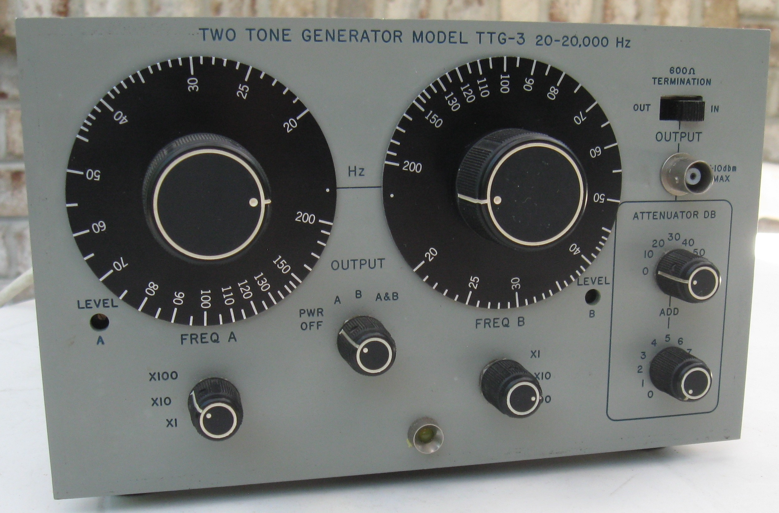 Singer TTG-3 Two-Tone Audio Generator