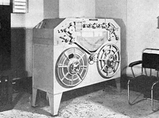 Early steel tape recorder at BBC. Still not good enough for music, only speech.