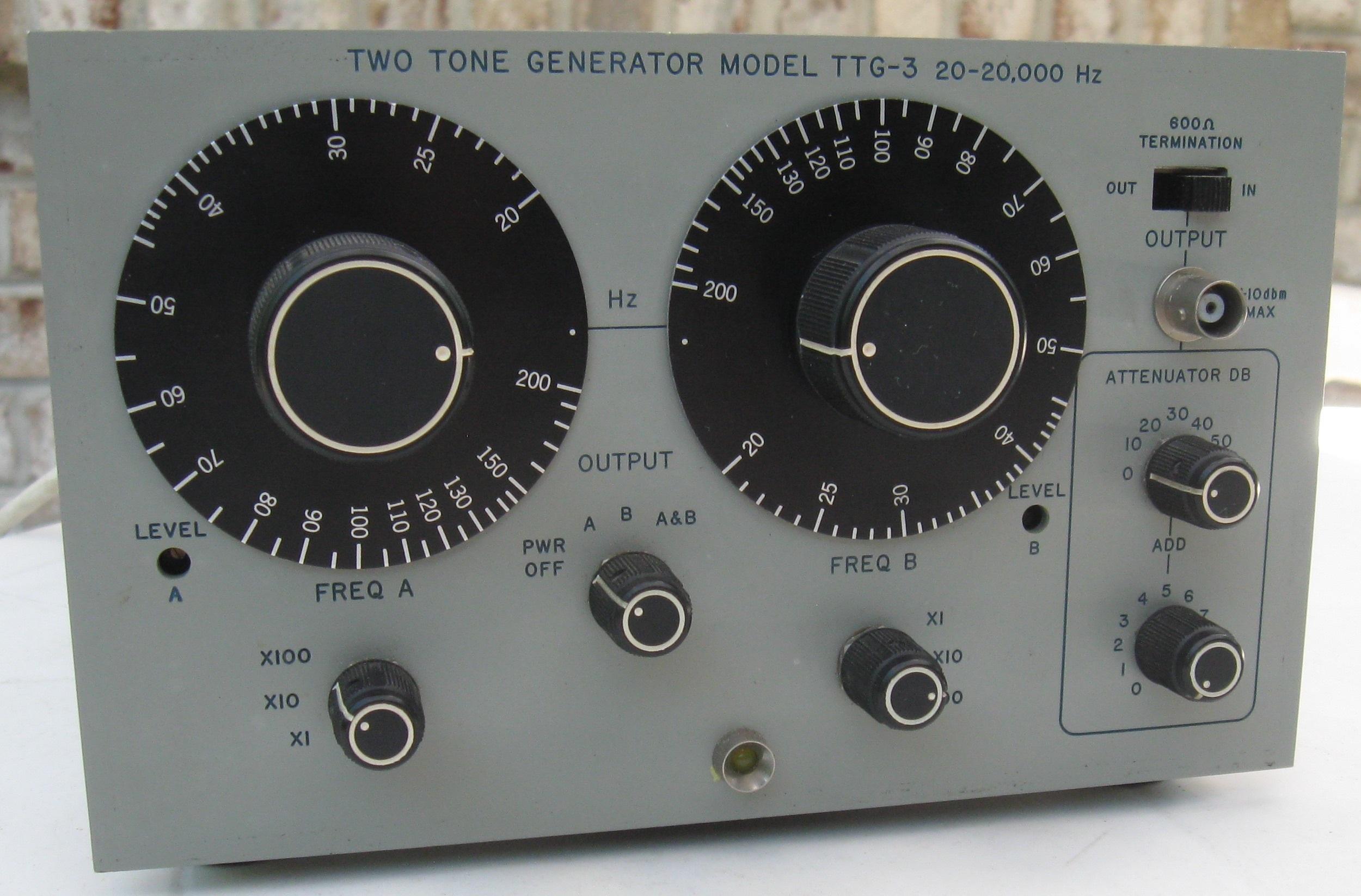 Found in the Attic: Singer TTG-3 Two-Tone Audio Generator