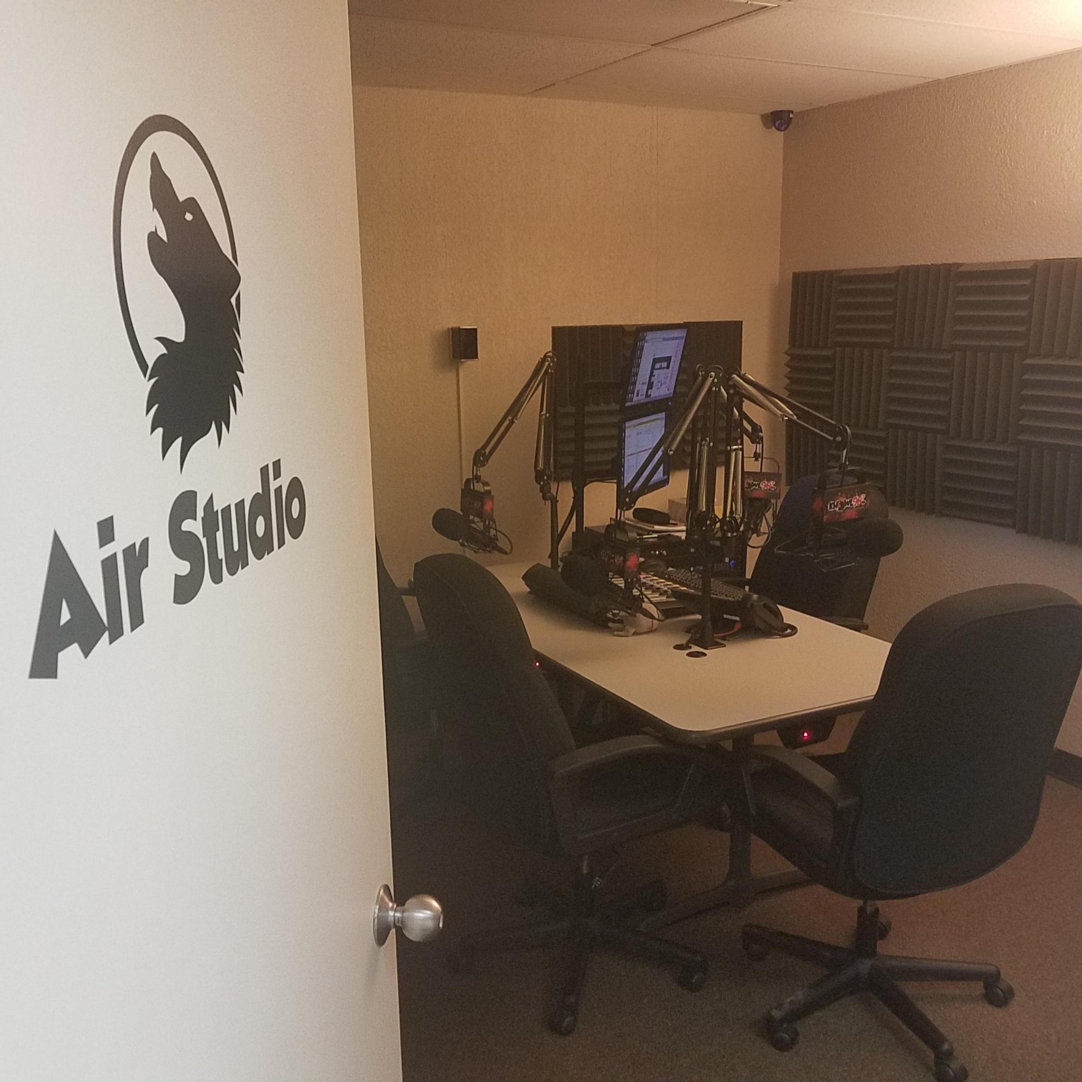 KHOWL studio