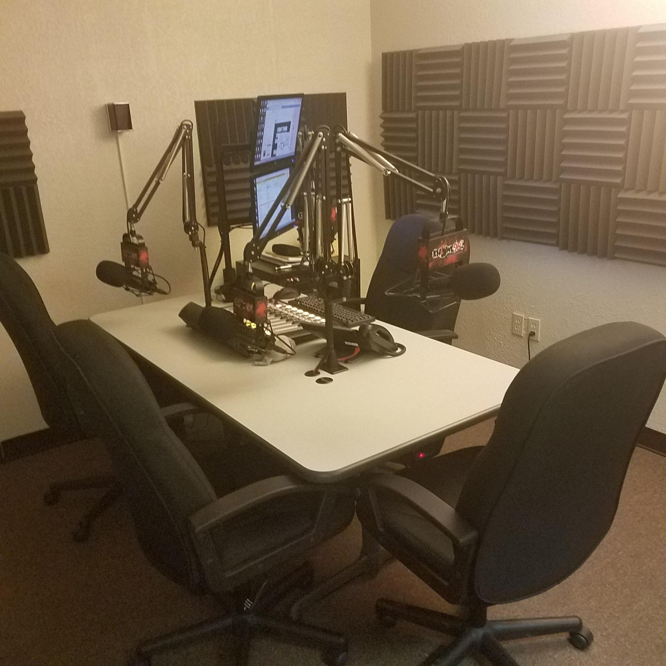 KHOWL auxiliary studio