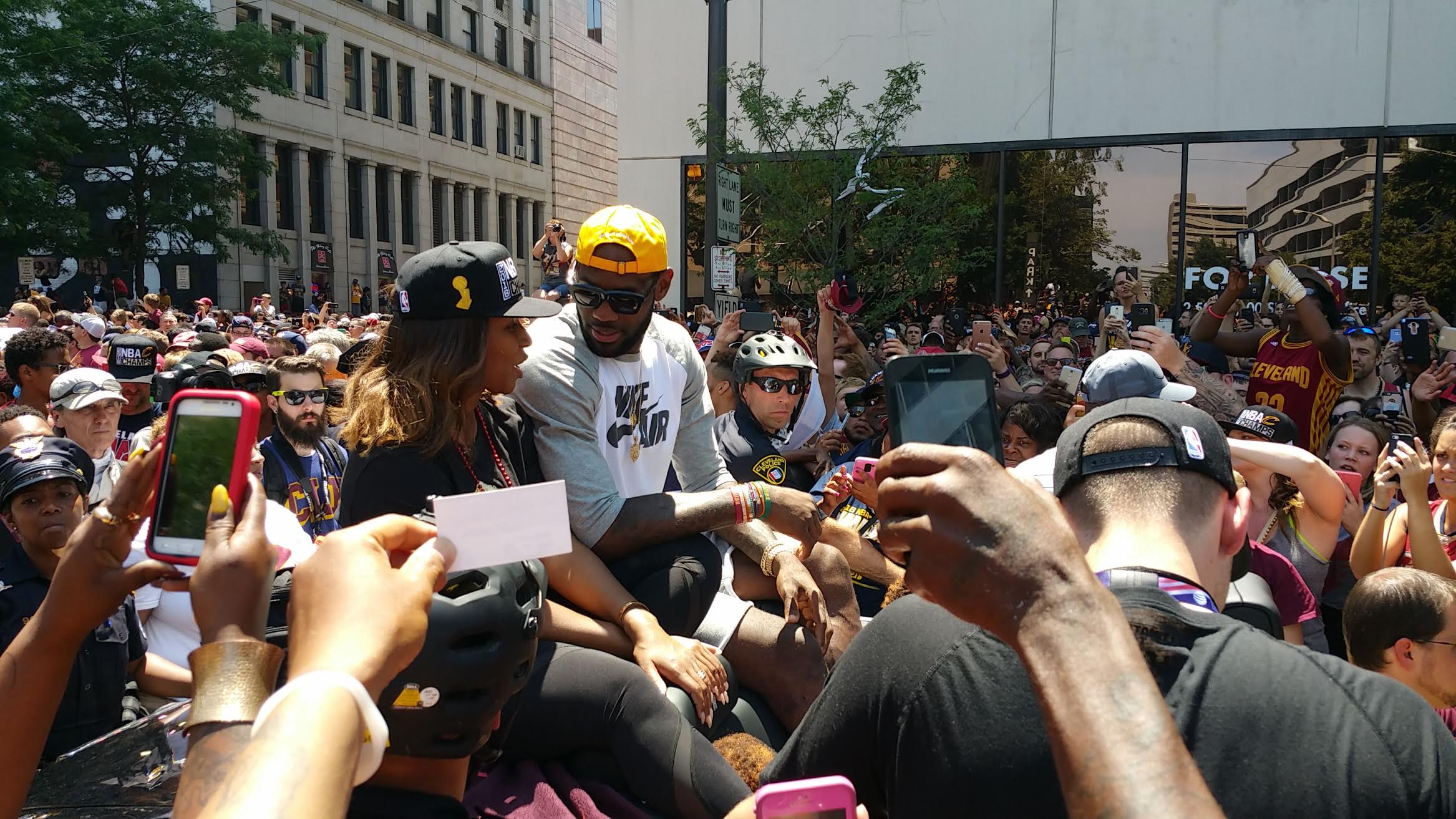 LeBron gets a hero's welcome.