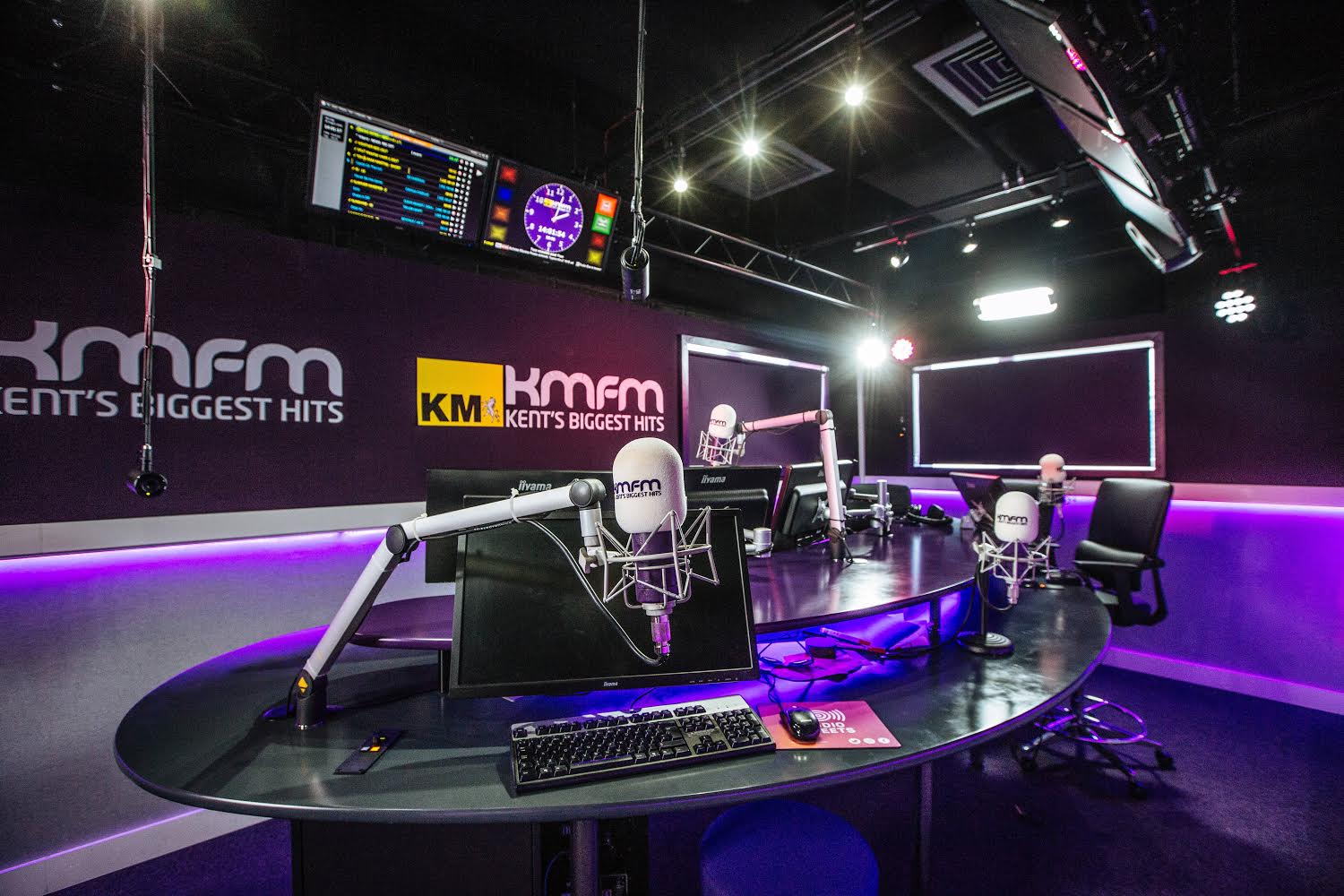 kmfm UK Goes Virtual with Omnia Enterprise 9s High-Density Virtual Audio Processing